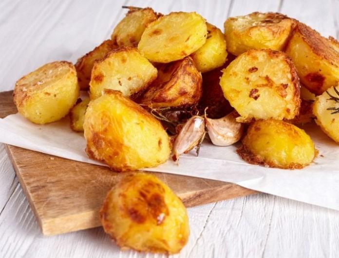 Θα σας ξετρελάνουν: Οι πιο κρεμώδεις πατάτες φούρνου που λιώνουν στο στόμα!