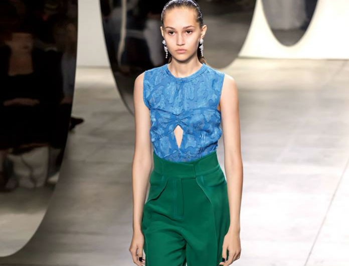 Πώς να φορέσεις το υφασμάτινο παντελόνι του... γραφείου σου από το πρωί μέχρι το βράδυ! Η fashion editor του Youweekly.gr σου δείχνει τον τρόπο!