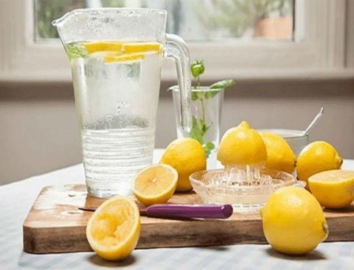 Μια δοκιμή θα σε πείσει: Αυτός είναι ο λόγος που πρέπει να ξεκινάς την ημέρα σου με νερό και λεμόνι!