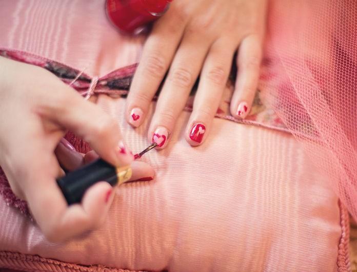Μανικιούρ: Το χρώμα της Άνοιξης είναι ότι πιο εκκεντρικό έχουμε δει! Η beauty editor του Youweekly.gr σε συμβουλεύει