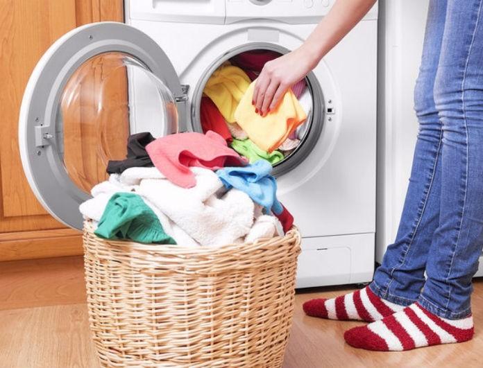 Αυτό είναι το μεγάλο λάθος που κάνουμε καθημερινά με το πλυντήριο ρούχων...
