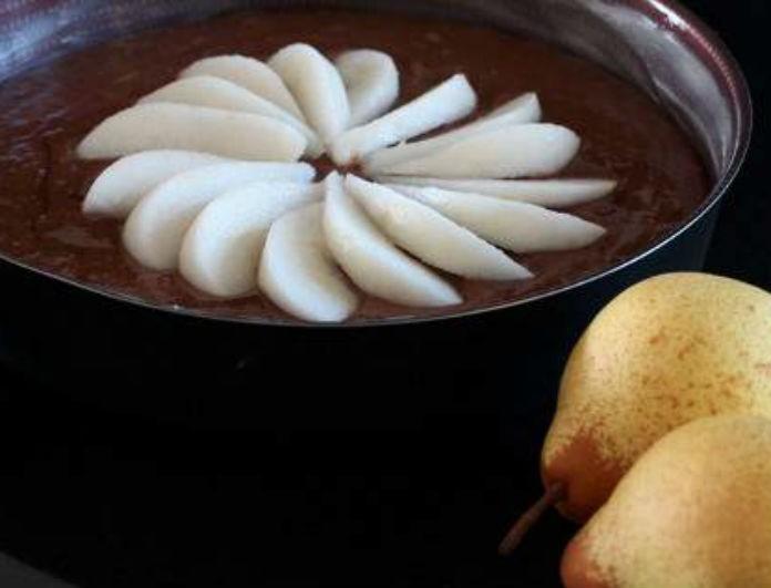 Και η νηστεία το θέλει το γλυκάκι της! Σοκολατόπιτα νηστίσιμη, με αχλάδια!