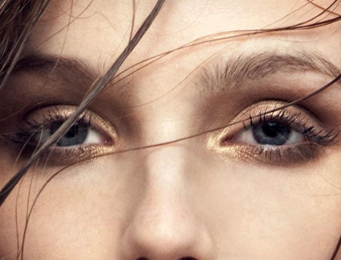 Έχεις πεσμένα βλέφαρα; Κάνε αυτή την άσκηση και θα δεις το πρόσωπο σου να μεταμορφώνεται!
