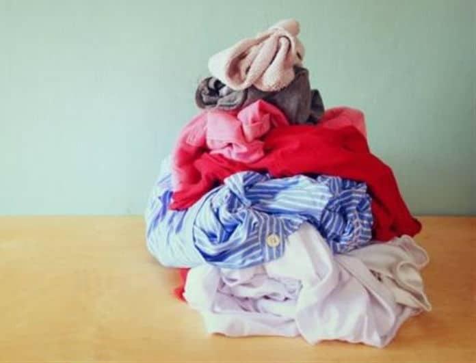 Πλυντήριο ρούχων: Όσα πρέπει να ξέρεις πριν βάλεις τα σκούρα με τα λευκά! Είναι κατάλληλες οι χρωμοπαγίδες;