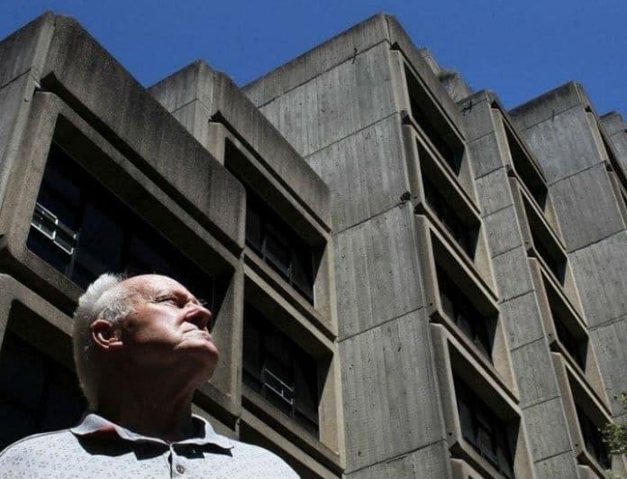 Ένα βίντεο που κόβει την ανάσα: Κτίριο εξαφανίζεται σε χρόνο ρεκόρ!