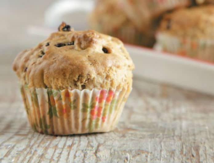 Νόστιμο & Νηστίσιμο: Κεκάκια με σταφίδες και καρύδια!