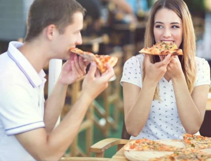 Η Επιστήμη μίλησε! Δες τι θα συμβεί αν φας πίτσα στην δουλειά!