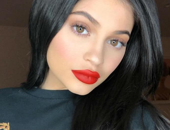 Kylie Jenner: Λάνσαρε το νέο lip kit και προκάλεσε αντιδράσεις! Έχει το χρώμα του πιο σιχαμερού πράγματος...