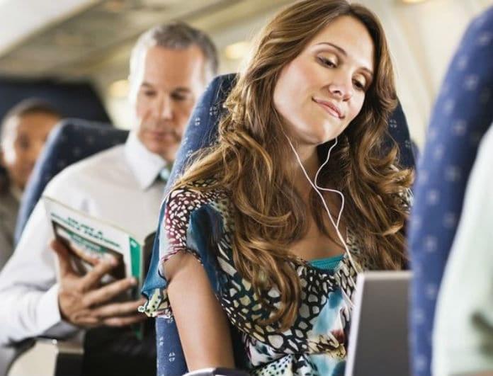 Προσοχή! 8 βρώμικα σημεία στο αεροπλάνο που δεν πρέπει ποτέ να ακουμπάτε!