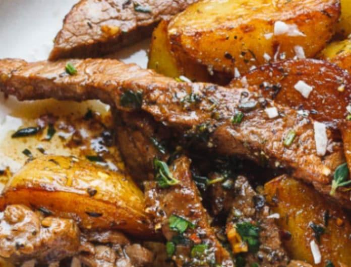 Ζουμερές μπουκίτσες χοιρινού με πατάτες!