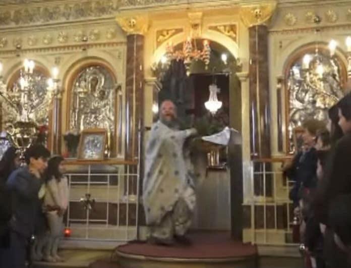 Το βίντεο που πρέπει να δείτε! Ο επικός παπάς στη Χίο που έγινε viral με την πρώτη Ανάσταση!
