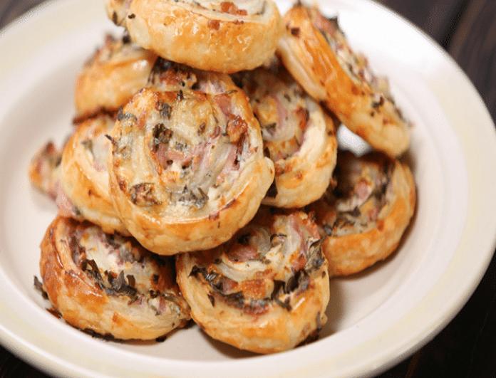 Μία γρήγορη και νόστιμη συνταγή: Πανεύκολα ρολάκια με τυρί και μπέικον!