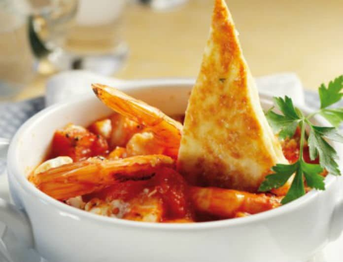 Η συνταγή που θα ξετρελάνει μικρούς και μεγάλους!  Γαρίδες σαγανάκι από τον Ηλία Μαμαλάκη!