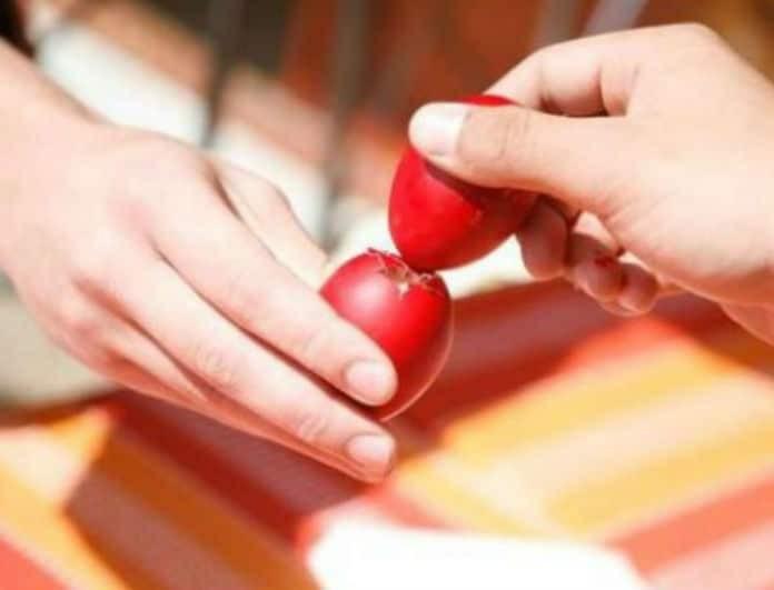 Πασχαλινό έθιμο: Αυτός είναι ο λόγος που τσουγκρίζουμε τα αυγά το Πάσχα!