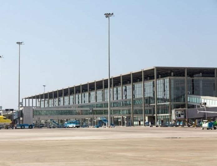 Τραγωδία δίχως τέλος! 30χρονος πατέρας αυτοκτόνησε μέσα στο αεροδρόμιο!