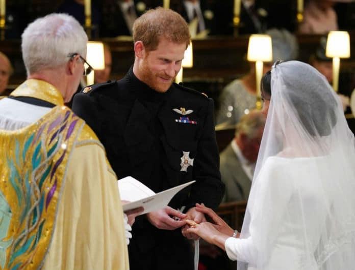 Βασιλικός γάμος: Οι κομψές βέρες, τα δάκρυα του Χάρι και τα τρυφερά λόγια στην Μέγκαν Μαρκλ!