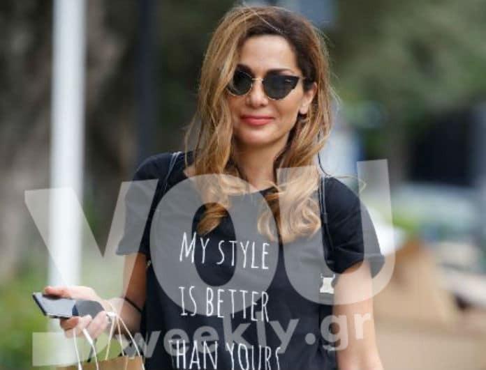 Δέσποινα Βανδή: Πιο απλή από ποτέ για ψώνια στην Γλυφάδα! Η εμφάνιση με φόρμες που έκλεψε τις εντυπώσεις!
