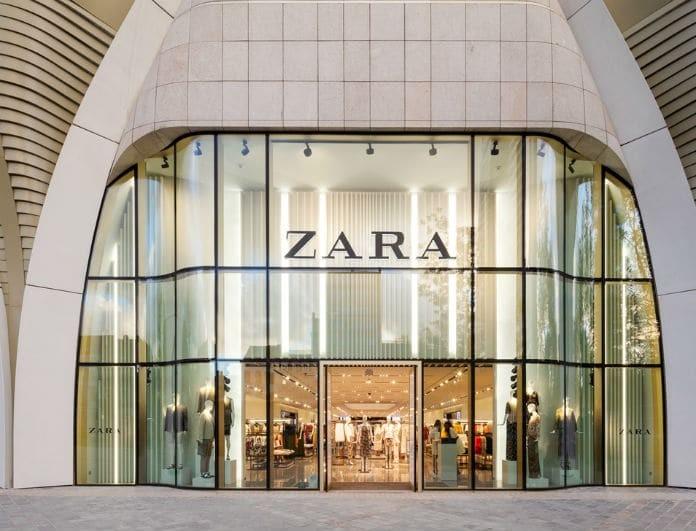 Think Blue: Το φόρεμα από τα Zara Που δεν πρέπει να λείπει από την γκαρνταρόμπα σου!