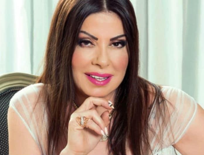 Η Άντζελα Δημητρίου στην πιο επική ανάρτηση! Παίζει βίντεο game και τραγουδάει... τη νέα της επιτυχία!
