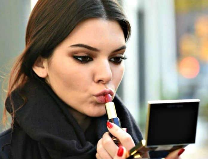 6 λάθη που κάνεις όταν φοράς το κραγιόν σου και πρέπει να τα σταματήσεις!