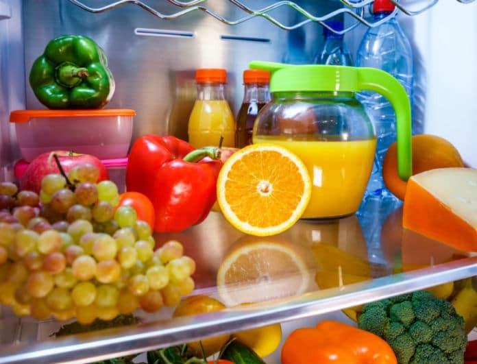 Θα πάθετε πλάκα μόλις δείτε τι θα συμβεί αν βάλετε ένα πορτοκάλι στο ψυγείο!