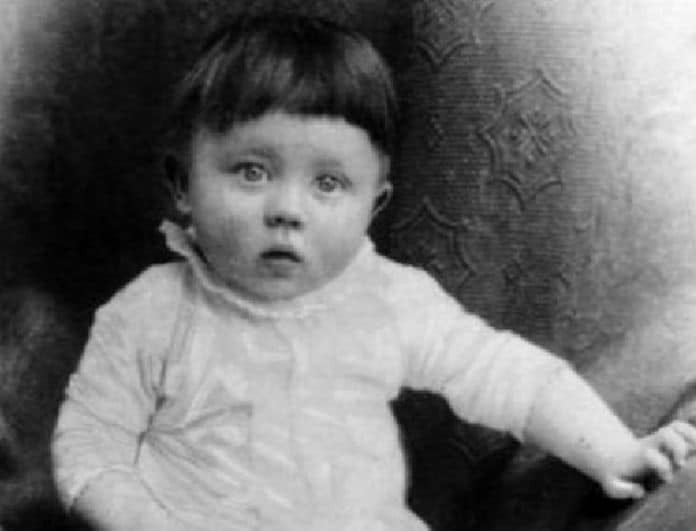 Χαμός στα social media! Αν είχατε την ευκαιρία, θα σκοτώνατε αυτό το μωρό; Πριν απαντήσετε, κάντε κλικ…