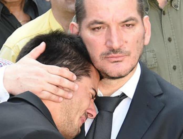Ραγίζουν καρδιές στην κηδεία της γυναίκας του Πύρρου Δήμα!