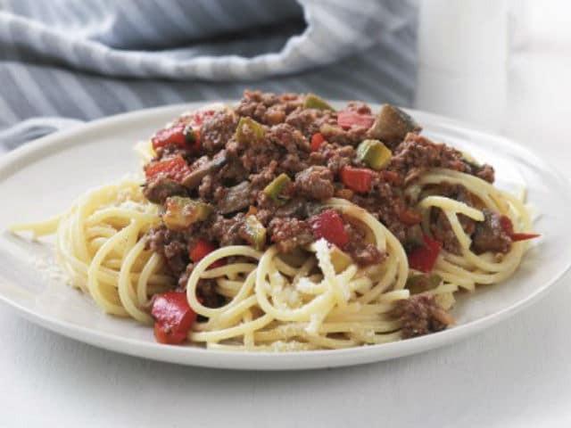 H συνταγή της ημέρας: Μακαρόνια με κιμά και λαχανικά!