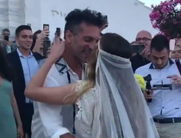 Παντρεύτηκαν Χρανιώτης- Αβασκαντήρα! Οι πρώτες φωτογραφίες από τον γάμο του ζευγαριού στην Τήνο!