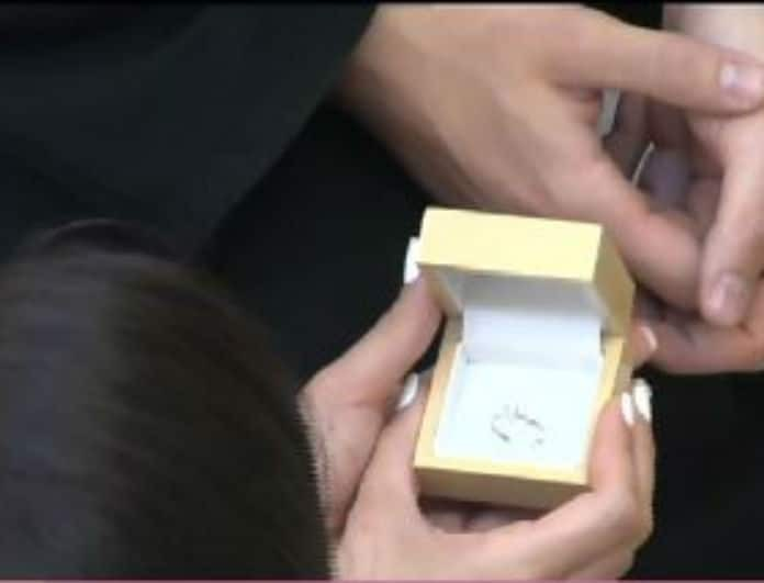 Power of Love: Το δαχτυλίδι του Σωκράτη στην Κυριακή και η συγκίνηση της! (Βίντεο)
