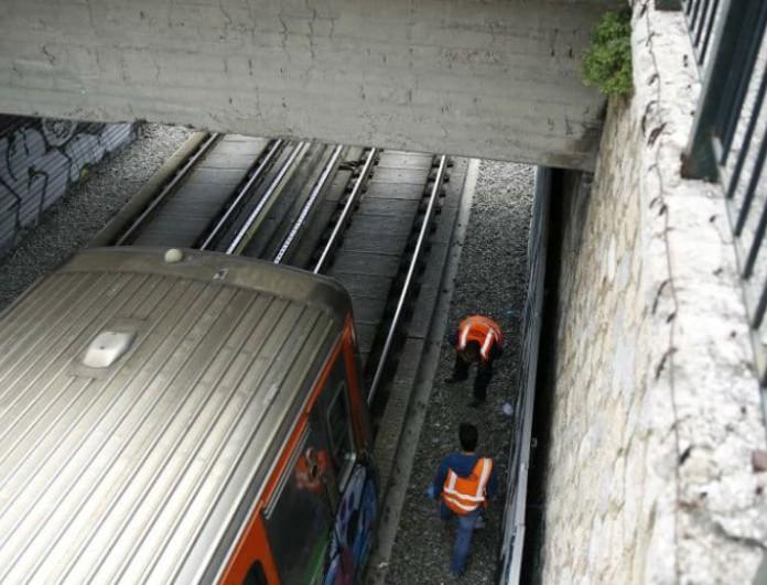 Είδηση Σοκ στην Καλλιθέα! Άντρας έπεσε στις ράγες ηλεκτρικού σταθμού- ανασύρθηκε χωρίς τις αισθήσεις του!