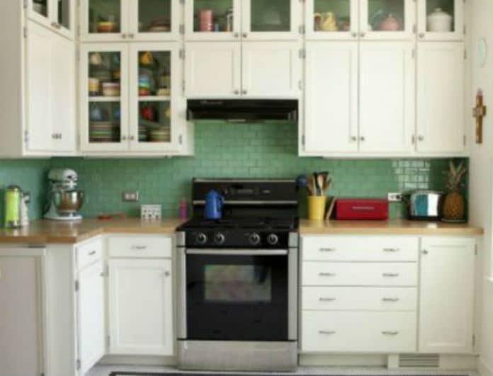 Καθαρισμός απορροφητήρα: Πως θα αφαιρέσετε τα λίπη από το φίλτρο εύκολα και γρήγορα!