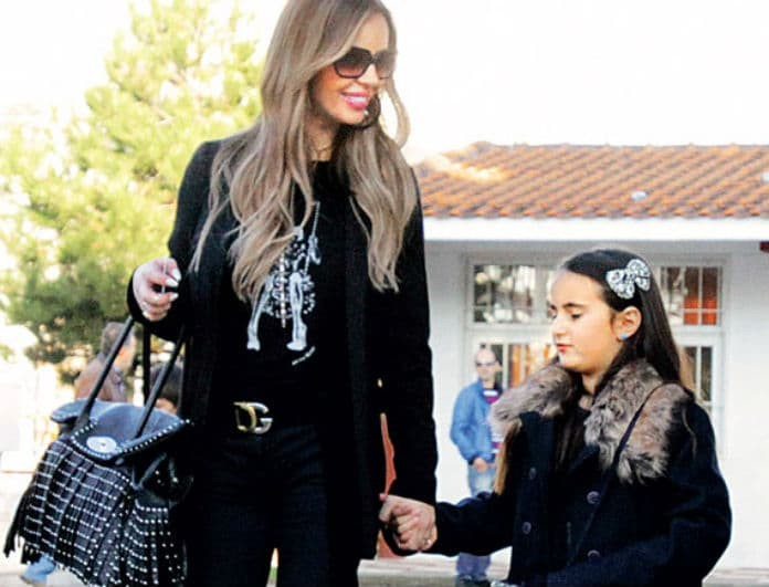 08bac5072422 Ιωάννα Λίλη: Η κόρη της με τον Ζαγοράκη μεγάλωσε πολύ! Πως είναι σήμερα η  Μαρία.... (Βίντεο) - News - Youweekly