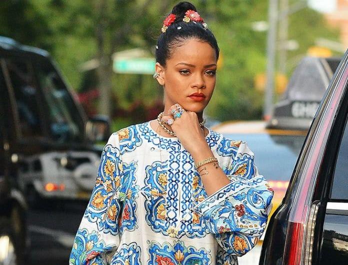 Αντίγραψε το λουκ της Rihanna! Φόρεσε το maxi σου καφτάνι, με τον πιο... εξωτικό τρόπο!
