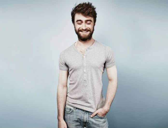 O Harry Potter κάνει διακοπές στην Ελλάδα! Ψηφίζει Μεσσηνία ο Ντάνιελ Ράντκλιφ!