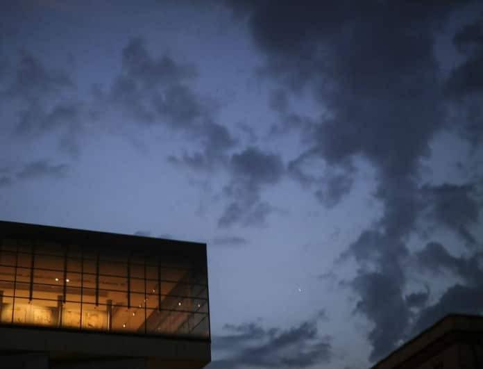 Καιρός: Δεκαπενταύγουστος με βροχές, καταιγίδες και χαλαζοπτώσεις
