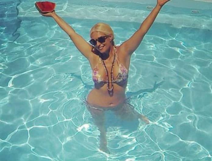 Μαρία Μπακοδήμου: Οι 4+1 φορές που έριξε το Instagram με το... αρετουσάριστο μπικίνι της!
