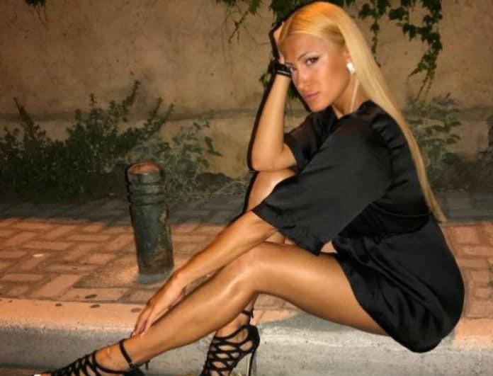 Ιωάννα Τούνη: Ποζάρει topless και ... κόβει την ανάσα!