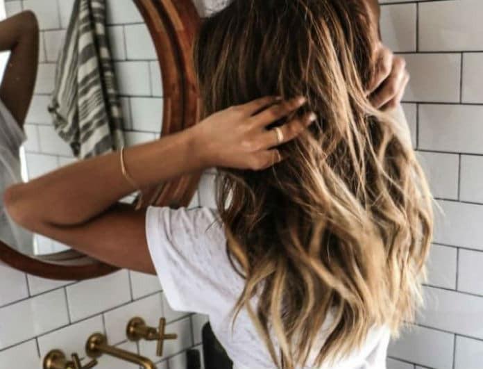 Ατίθασα... μαλλιά; Όχι πια! Με μόνο δύο υλικά πες