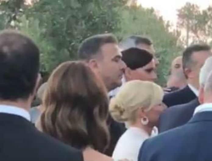 Αντώνης Ρέμος- Υβόννη Μπόσνιακ: Ένας παραμυθένιος γάμος! Δείτε το βίντεο από το μυστήριο!