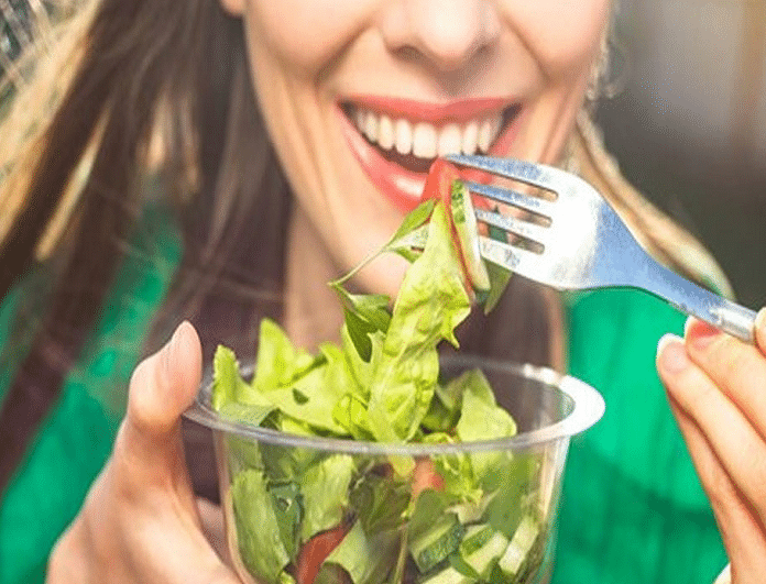 Τα 4 λάθη που κάνεις στη σαλάτα και δε χάνεις βάρος!