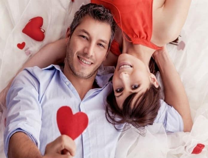 Ζώδια: Ποιοι ερωτεύονται με την πρώτη ματιά; Η αντίδραση του καθενός μόλις τον χτυπήσει ο έρωτας κατακούτελα;