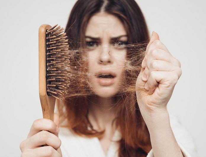 Πέφτουν τα μαλλιά σου; Οι 3 πιο φυσικοί τρόποι να λύσεις το πρόβλημα!