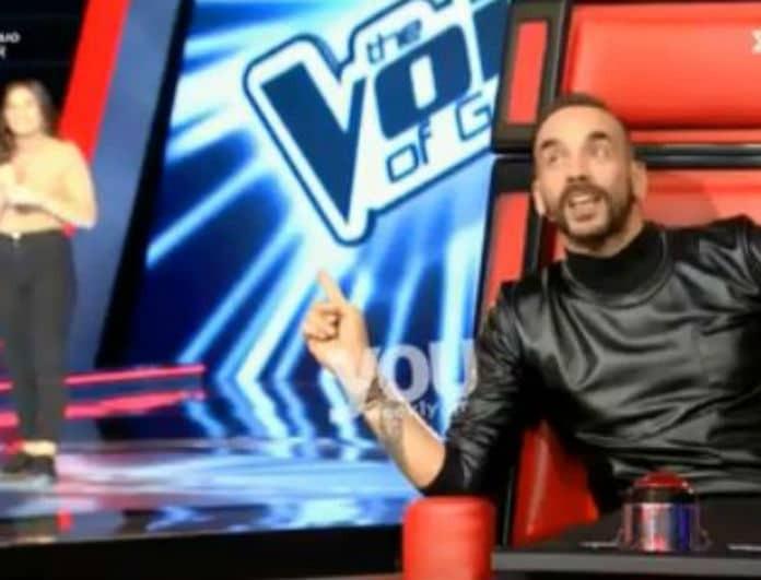 The Voice: Απίστευτο! Μετάνιωσε που πάτησε το κουμπί και γύρισε την καρέκλα του ο Μουζουράκης! Έμεινε κάγκελο η παίκτρια! (Βίντεο)