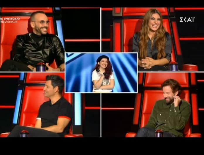 The Voice: Η παίκτρια που έφερε μαλλιοτράβηγμα στους κριτές και εκείνος που έκανε ντου στη σκηνή με.. λιχουδιά! (Βίντεο)