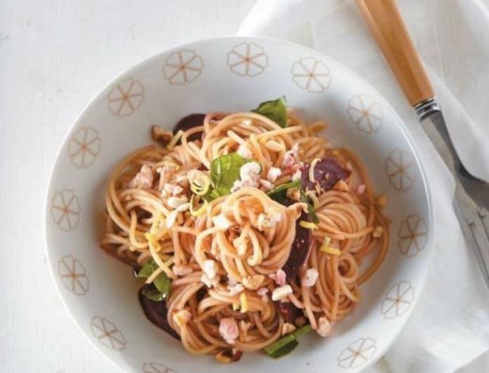 Η πιο νόστιμη συνταγή για σπαγγέτι με ψητά παντζάρια, κατσικίσιο τυρί και φουντούκια!