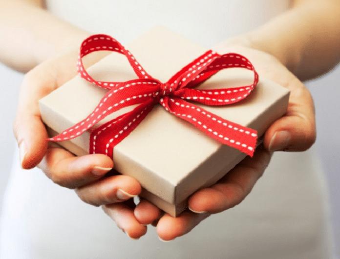 Ψάχνεις για δώρο; 2+1 είδη δώρων που ξετρελαίνουν κάθε γυναίκα...