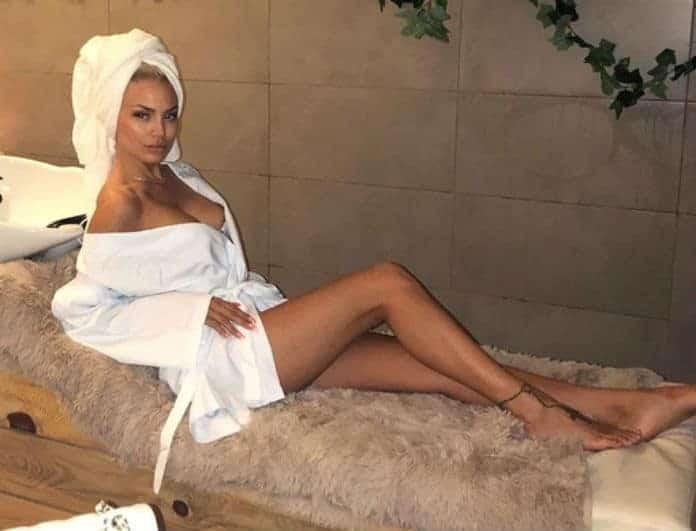 Μελαχρινή στο κρεβάτι η Αλεξάνδρα Παναγιώταρου! Αντέχετε να τη δείτε;