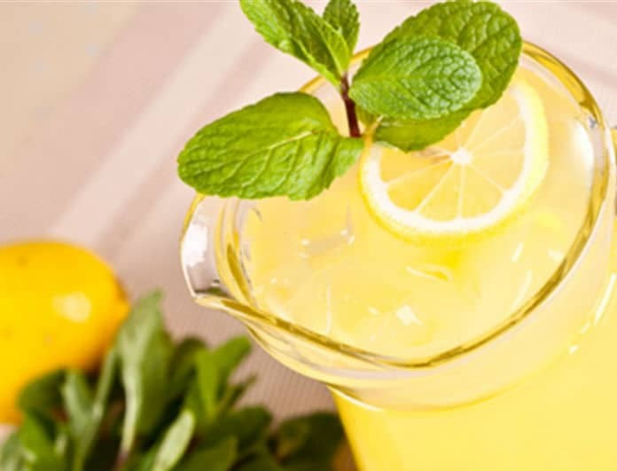 Φτιάξε εύκολα και γρήγορα σπιτική λεμονάδα!