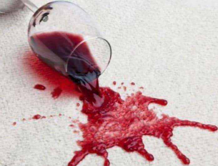Λεκές από κόκκινο κρασί; Να πως θα τον αντιμετωπίσεις!